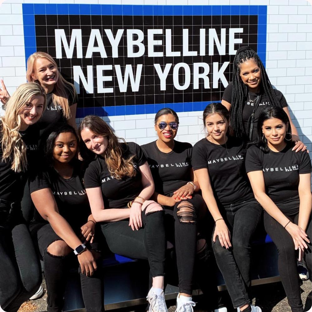 Image of Maybelline Ambassadors in a group